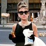BREAKFAST AT TIFFANY'S NO CCB A 31 DE MAIO